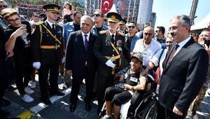 İzmirde 30 Ağustos coşkusu