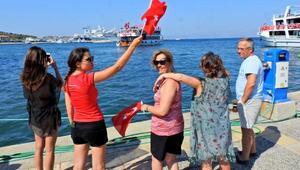 Çeşmede, denizde ve karada 30 Ağustos coşkusu
