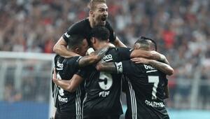 Zafer Bayramında zafer gecesi Beşiktaş UEFA Avrupa Liginde gruplara kaldı...