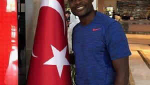 (ÖZEL) Pierre Webo, Fenerbahçenin şu anki zayıf noktası ve eksikliğini anlattı