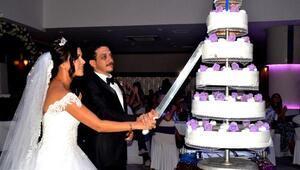Sağlıkçıları buluşturan düğün