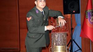 Bando okulundan mezun olan tek öğrenci için tören düzenlendi