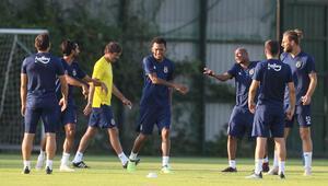 Fenerbahçe'de yeni transfer Jailson ilk antrenmanına çıktı