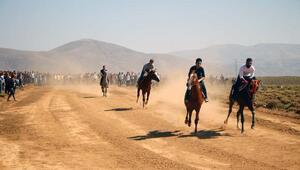 Karlıovada at yarışlarına destek talebi