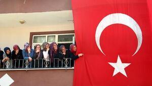 Zonguldaklı şehidi, binlerce kişi son yolculuğuna uğurladı