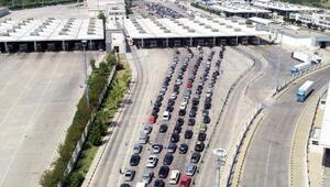Kapıkuleden Avrupaya çıkışta, yoğunluk nedeniyle trafik kilitlendi
