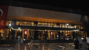 Ferhat Göçer, açılışta konser verdi