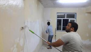 Köy okulunun tadilatını yapıp, boyadılar