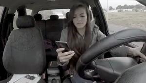 Araç kullanırken telefon kullanmak ölümcüldür uyarısı