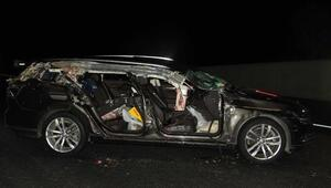 Otomobil kamyona çarptı: 2 ölü, 4 yaralı