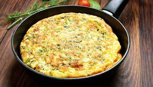 Kahvaltılarda yumurtadan vazgeçemeyenler için çeşit çeşit omlet fikirleri