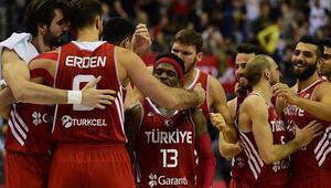 A Milli Erkek Basketbol Takımında 3 kişi kadrodan çıkartıldı