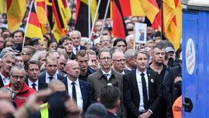 """SPD ve Yeşiller """"AfD izlensin"""" diyor"""