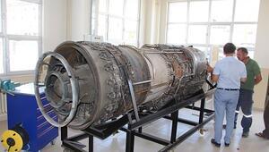 Okula uçaktan sonra savaş uçağı motoru getirildi