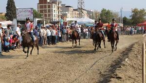 Turgutluda rahvan at yarışları heyecanı