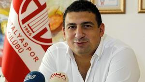 Antalyasporda Başkan Öztürke taraftarlardan destek