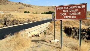 Tarihi Şeytan Köprüsüne asfalt döktüler