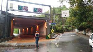 Son dakika... İstanbulda Sarıyer için sel uyarısı yapılmıştı, Çayırbaşı Tüneli kapandı