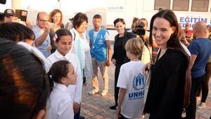 Angelina Jolienin ziyaret ettiği mülteci kampı kapatıldı