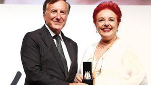 Berksoy'a onur ödülü