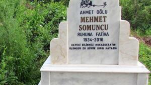 2013te yaptırdığı mezar taşına 2016 yazdırdı, 2018de öldü