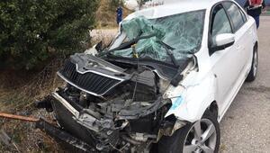 Otomobil kamyonete çarptı: 6 yaralı