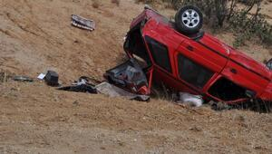Otomobil uçurumdan yuvarlandı: 2 ölü