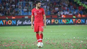 Hakan Çalhanoğlu: İsveç maçında varımızı yoğumuzu ortaya koymalıyız