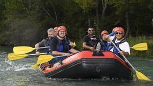 Vali Karaloğlu, Beşkonakta rafting yaptı