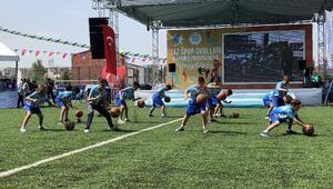 Arnavutköy Belediyesi'nin Yaz Spor Okulları kapanış töreni yapıldı