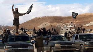'İsrail, Suriye'de 12 muhalif gruba silah yardımı yaptı'