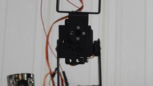 Engelliler için işaret dilini algılayan robot geliştirildi