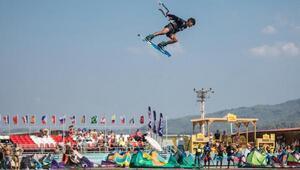 Kiteboard Şampiyonası turizmciyi sevindirdi