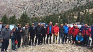 Demirkazıkta kaybolan 4 amatör dağcı kurtarıldı
