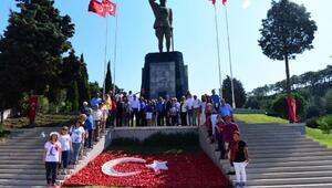 ADD Başkanı Süheyl Batum Ata Anı Evini ziyaret etti