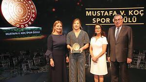 Spor ödülü Yasemin'in