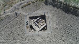 Kelkitteki antik kentte 2 bin yıllık eserler gün yüzüne çıkıyor