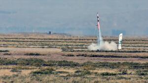 Lise ve üniversitelilerin tasarladıkları roketler yarıştı