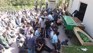 Giresundaki kazada ölen 5 kişi toprağa verildi