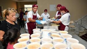 Mersin'de bereketli Muharrem iftarları
