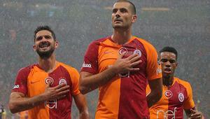 Galatasaray evinde Kasımpaşayı farklı geçti Lider oldu...