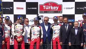 Şampiyon rallicilere ödüllerini Cumhurbaşkanı Erdoğan verdi