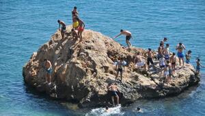 Tatilin son gününü denizde geçirdiler