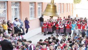 18 milyon öğrenci okula döndü