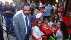 Bakan Kasapoğlu, Bandırmada sel mağduru esnafı ziyaret etti