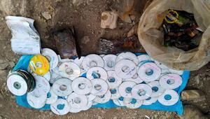 PKKlı teröristlere ait 200 CD ele geçti