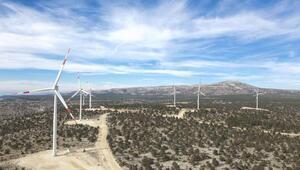 Akfenden 530 milyon dolar yatırımla 13 rüzgar ve güneş enerjisi santrali