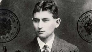Kafkanın Dönüşüm kitabında baş karakter hangi hayvana dönüşüyor