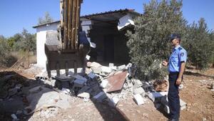 Mera arazisindeki yapılar yıkıldı
