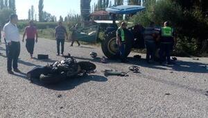 Traktörle motosiklet çarpıştı: 1 ölü, 3 yaralı